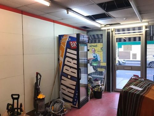 London Properties Are Pleased To Offer To The Market This Lock Up Shop Precious Run As A Newsagent For Over 30 Years. Forest Hill Is An Affluent And Fashionable South-east Suburb And Sort After Area To Work And Live In.